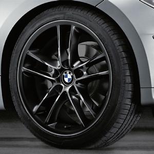 BMW Kompletträder Doppelspeiche 182 schwarz 18 Zoll 1er E81 E82 E87 E88