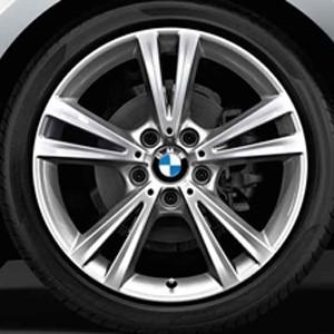 BMW Winterkompletträder Doppelspeiche 385 silber 18 Zoll 1er F20 F21 2er F22 F23 RDCi