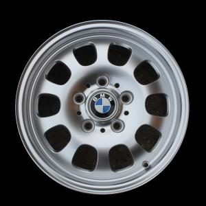 BMW Alufelge Ellipsoidstyling 46 silber 7J x 16 ET 47 Vorderachse/Hinterachse BMW 3er E46