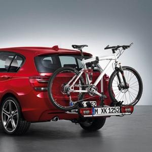 BMW Fahrradhalterung für die Anhängerkupplung, abschließbar (neue Ausführung) 1er E81 E82 E87 E88 F20 F21 2er F22 F23 F45 F46 3er E90 E91 E92 E93 F30 F31 F34 4er F32 F33 F36 5er E60 E61 F10 F11 X1 E84 F48 X3 E83
