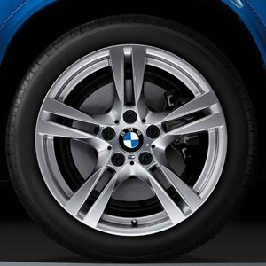 BMW Alufelge M Doppelspeiche 355 9J x 18 ET 41 Silber Hinterachse BMW X1 E84