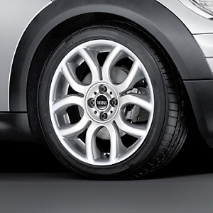 MINI Alufelge Flame Spoke 97 7J x 17 ET 48 Silber Vorderachse / Hinterachse MINI R50 MINI Cabrio R52 R57 MINI R53 R56 MINI Clubman R55 MINI Coupe R58 MINI Roadster R59