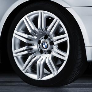 BMW Alufelge M Doppelspeiche 172 9,5J x 19 ET 32 Silber Hinterachse BMW 5er E60