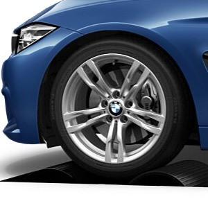 BMW Kompletträder M Doppelspeiche 441 silber 18 Zoll 3er F30 F31 4er F32 F33 F36
