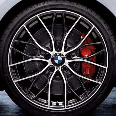 BMW 18 Zoll M Leichtbau Sportbremsscheibe Vorderachse angelocht und genutet 1er F20 F21 2er F22 F23 3er F30 F31 F34GT 4er F32 F33 F36