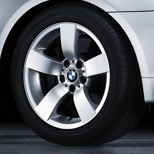 BMW Alufelge Sternspeiche 122 silber 8J x 17 ET 20 Vorderachse / Hinterachse 5er E60 E61 ohne xDrive