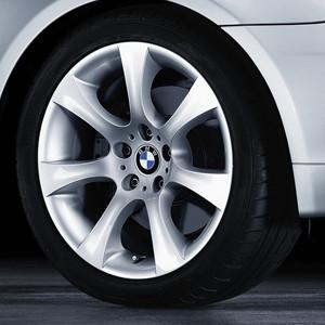 BMW Alufelge Sternspeiche 124 silber 9J x 18 ET 55 Vorderachse / Hinterachse BMW 5er E60 mit xDrive