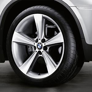 BMW Alufelge Sternspeiche 128 silber 9,5J x 19 ET 32 Hinterachse 5er E60 E61