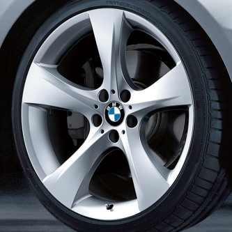 BMW Alufelge Sternspeiche 311 9J x 19 ET 39 Silber Hinterachse BMW 3er E90 E91 E92 E93