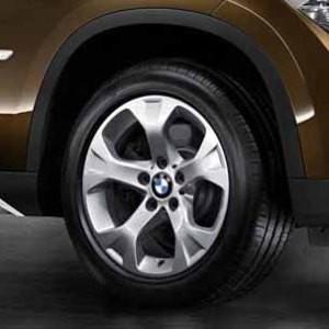 BMW Winterkompletträder Sternspeiche 317 silber 17 Zoll X1 E84