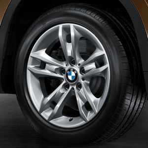 BMW Winterkompletträder Sternspeiche 319 silber 17 Zoll X1 E84 RDC LC