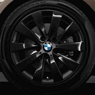 BMW Winterkompletträder V-Speiche 413 schwarz 17 Zoll 3er F30 F31 4er F32 F33 F36 RDCi