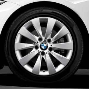 BMW Kompletträder V-Speiche 413 17 Zoll Silber 3er F30 F31 4er F32 F33 F36