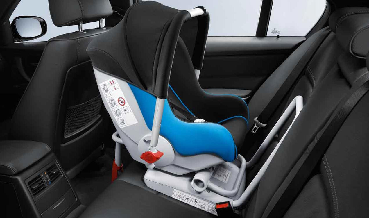 bmw baby seat 0 mit ohne isofix. Black Bedroom Furniture Sets. Home Design Ideas