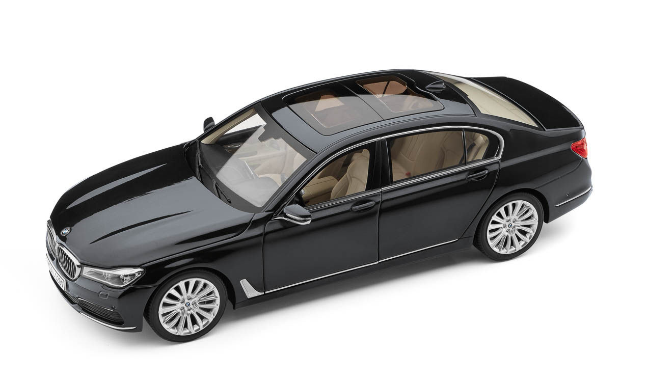 bmw 7er g12 langversion miniatur 1 18. Black Bedroom Furniture Sets. Home Design Ideas