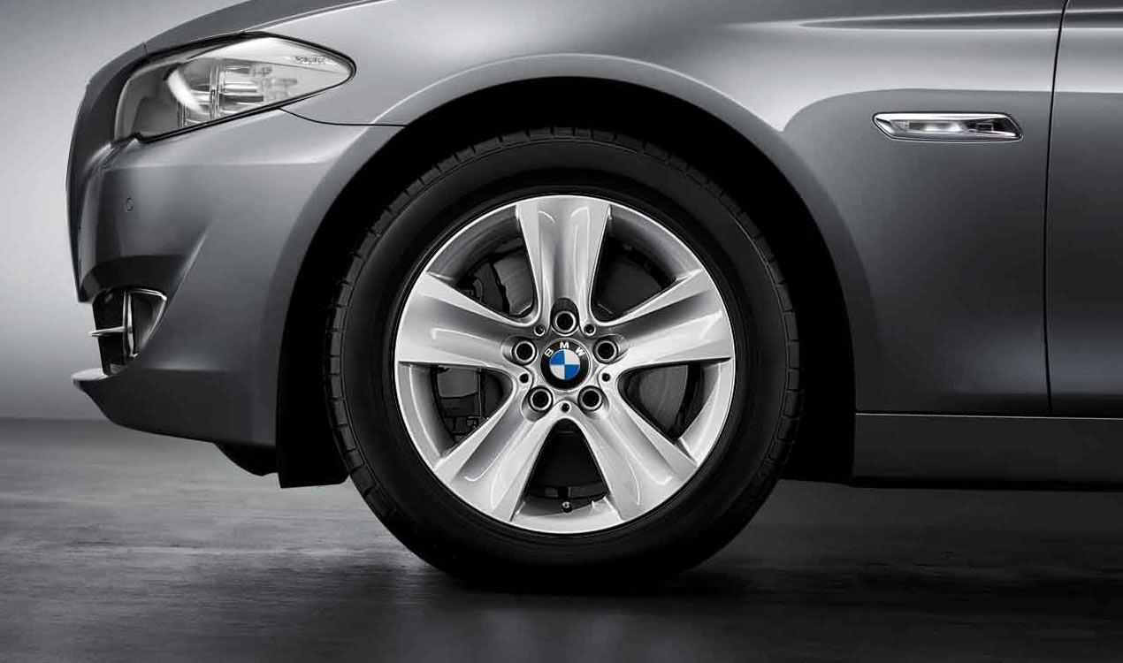 BMW Winterkompletträder Sternspeiche 327 silber 17 Zoll ...