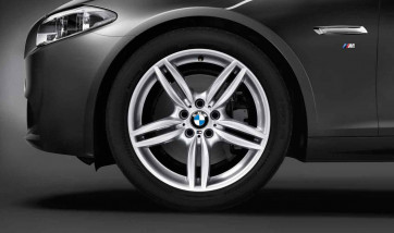 BMW Alufelge M Doppelspeiche 351 silber 9J x 19 ET 44 Hinterachse 5er F10 6er F06 F12 F13
