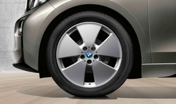 BMW Winterkompletträder Sternspeiche 427 reflexsilber 19 Zoll i3 RDCi