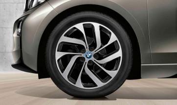 BMW Alufelge Turbinenstyling 428 bicolor (schwarz / glanzgedreht) 5,5J x 19 ET 53 Hinterachse linke Fahrzeugseite i3