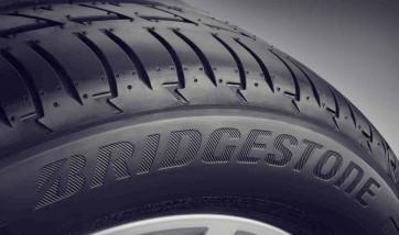 Winterreifen Bridgestone Blizzak LM-001* RSC 265/50 R19 110H
