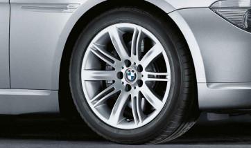 BMW Alufelge Doppelspeiche 120 9J x 18 ET 18 Silber Hinterachse BMW 6er E63 E64