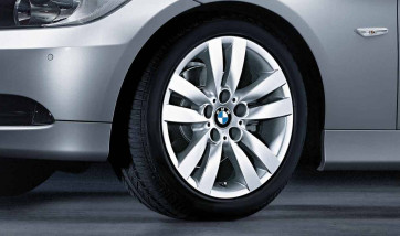 BMW Winterkompletträder Doppelspeiche 161 silber 17 Zoll 3er E90 E91 E92 E93