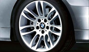 BMW Alufelge Doppelspeiche 195 8J x 18 ET 34 Silber Vorderachse BMW 3er E90 E91 E92 E93
