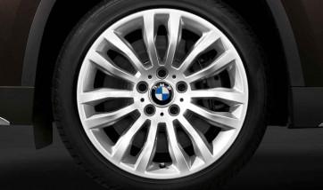 BMW Kompletträder Doppelspeiche 321 silber 18 Zoll X1 E84