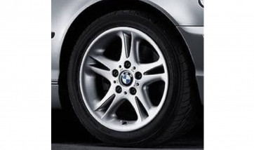BMW Alufelge Doppelspeiche 47 silber 8J x 17 ET 47 Vorderachse/Hinterachse BMW 3er E46, Z3