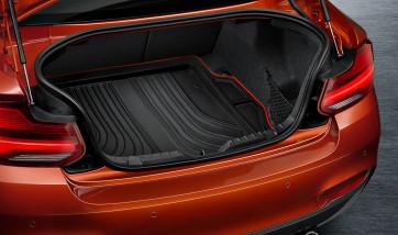 BMW Gepäckraumformmatte Sport schwarz mit rotem Rand 2er F22