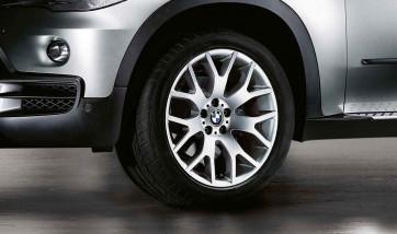 BMW Winterkompletträder Kreuzspeiche 177 silber 19 Zoll X5 E70 F15
