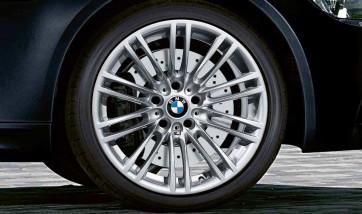 BMW Alufelge M Doppelspeiche 219 9,5J x 18 ET 23 Silber Hinterachse BMW 3er E90 E92 E93