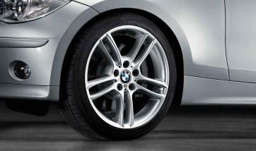 BMW Kompletträder M Doppelspeiche 261 silber 18 Zoll 1er E81 E82 E87 E88