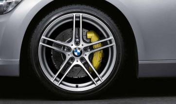BMW Winterkompletträder M Doppelspeiche 313 bicolor (ferricgrey / glanzgedreht) ohne Performance-Schriftzug, ohne M-Logo 18 Zoll 3er E90 E91 E92 E93 (Mischbereifung)