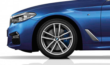 BMW Alufelge M Doppelspeiche 662 bicolor (ferricgrey / glanzgedreht) 8J x 18 ET 30 Vorderachse / Hinterachse 5er G30 G31