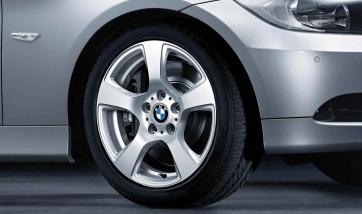 BMW Alufelge Sternspeiche 157 8J x 17 ET 34 Silber Vorderachse / Hinterachse BMW 3er E90 E91 E92 E93