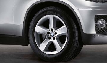 BMW Alufelge Sternspeiche 212 9J x 19 ET 18 Silber Hinterachse BMW X6 E71 E72