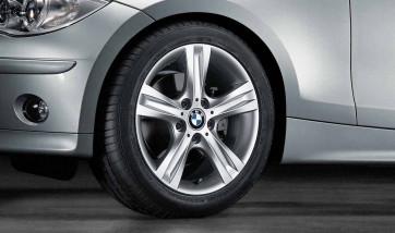 BMW Alufelge Sternspeiche 262 silber 7,5J x 17 ET 47 Hinterachse 1er E81 E82 E87 E88