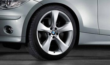 BMW Alufelge Sternspeiche 311 silber 8,5J x 18 ET 52 Hinterachse 1er E81 E82 E87 E88