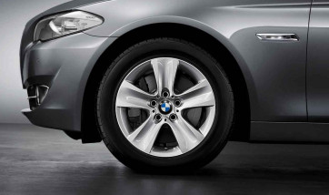 BMW Alufelge Sternspeiche 327 silber 8J x 17 ET 30 Vorderachse / Hinterachse 5er F10 F11 6er F06 F12 F13