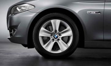 BMW Winterkompletträder Sternspeiche 327 silber 17 Zoll 5er F10 F11 6er F06 F12 F13