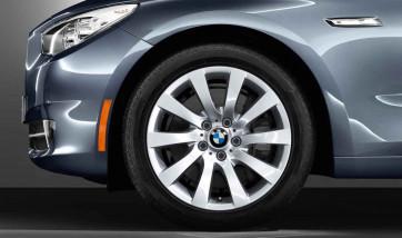 BMW Alufelge Turbinen-Styling 271 8J x 18 ET 30 Silber Vorderachse / Hinterachse BMW 5er F07 6er F06 F12 F13 7er F01 F02