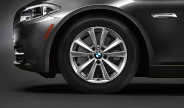 BMW Alufelge V-Speiche 236 silber 8J x 17 ET 30 Vorderachse / Hinterachse 5er F10 F11 6er F06 F12 F13