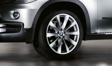 BMW Winterkompletträder V-Speiche 239 silber 21 Zoll X5 E70