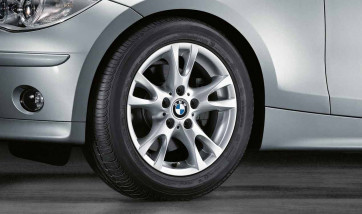 BMW Alufelge V-Speiche 255 silber 7J x 16 ET 44 Vorderachse / Hinterachse 1er E81 E82 E87 E88