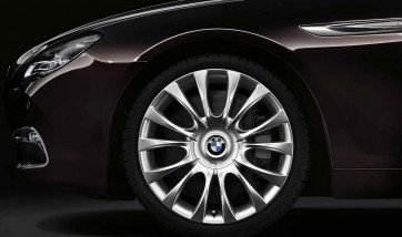 BMW Alufelge Individual V-Speiche 349 silber 9J x 19 ET 44 Hinterachse BMW 5er F10 6er F06 F12 F13
