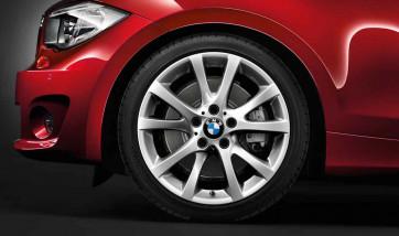 BMW Alufelge V-Speiche 372 7,5J x 18 ET 49 Silber Vorderachse BMW 1er E81 E82 E87 E88