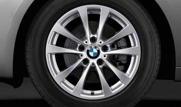 BMW Winterkompletträder V-Speiche 395 silber 17 Zoll 3er F30 F31 4er F32 F33 F36 RDCi