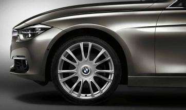 BMW Alufelge V-Speiche 439 silber 8J x 19 ET 36 Vorderachse 3er F30 F31 4er F32 F33 F36