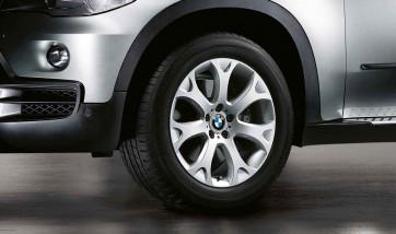 BMW Winterkompletträder Y-Speiche 211 silber 19 Zoll X5 E70
